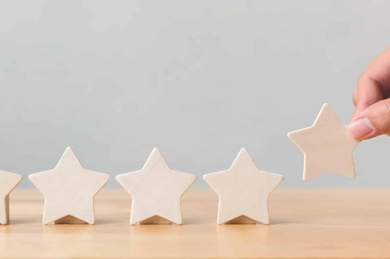 aligning wooden stars